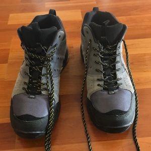 *USED* Mens Nike Salboiler Mid Hiking Boot